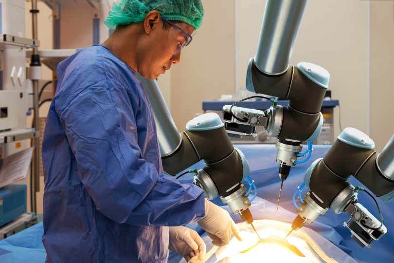 robotic arms used in medical surgery