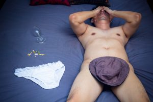 naked man with erectile dysfunction in bed should look into Progentra